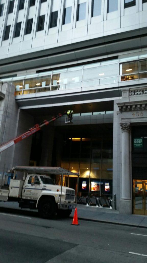 web pic 1 crane