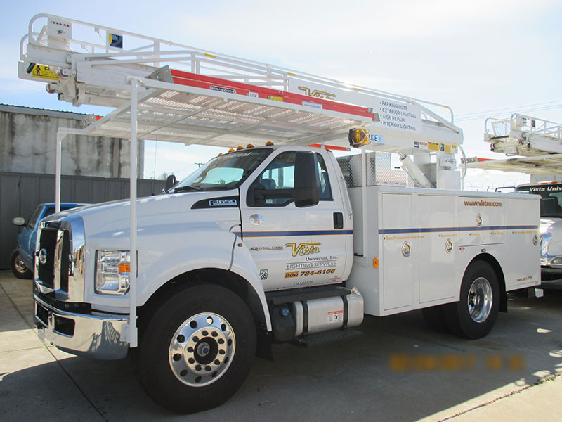 web-pic-49-ladder-truck